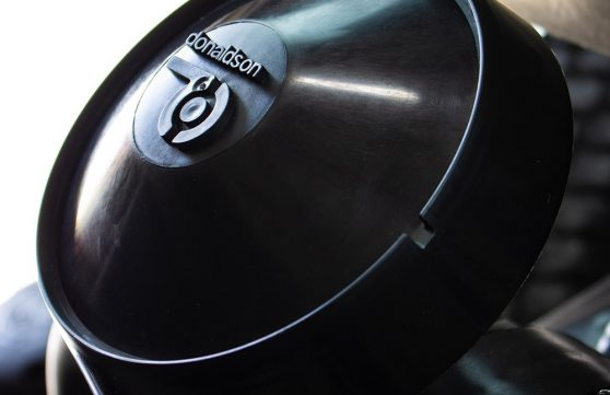 black donaldson® air cleaner on SG models